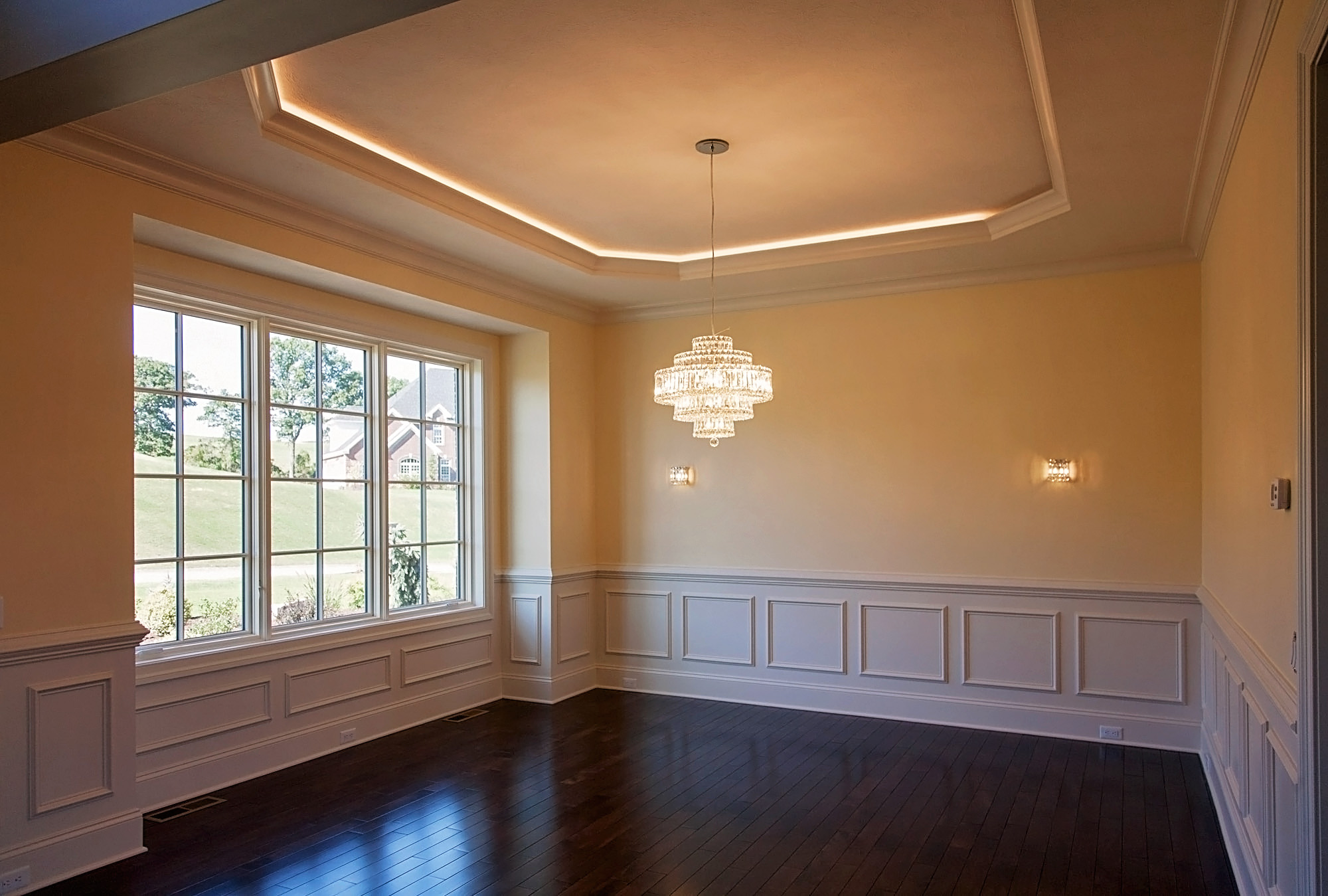 Dining Room Tray Ceiling in Tuscany – Benjamin Marcus Homes
