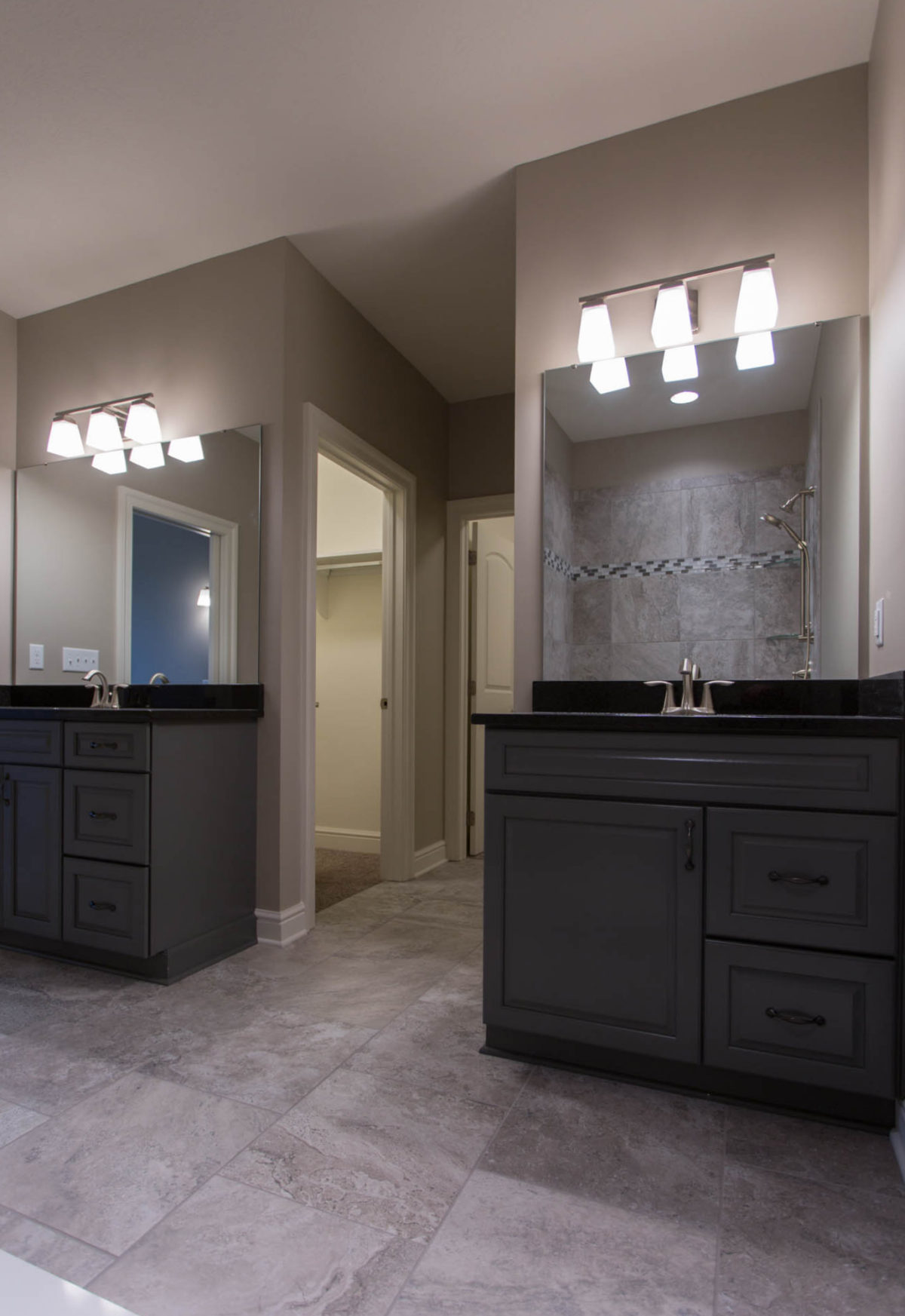 Siena at St. Clair, Aria Master Bath